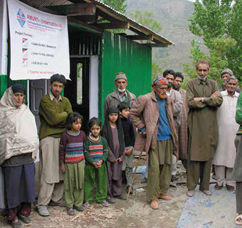 Kashmir - Emergency aid and village  reconstruction